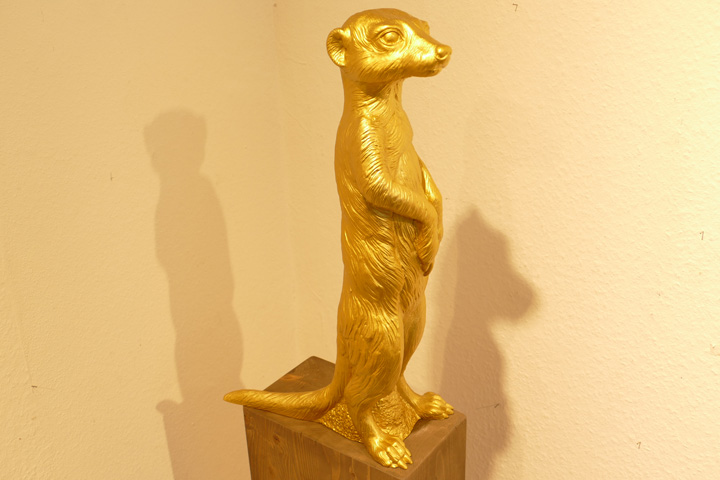 Erdmännchen, gold, EUR 60.- KUNSTMASSNAHMEN HeidelbergJPG