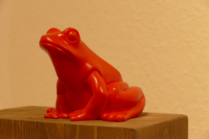 Frosch, rot, EUR 20.- KUNSTMASSNAHMEN Heidelberg