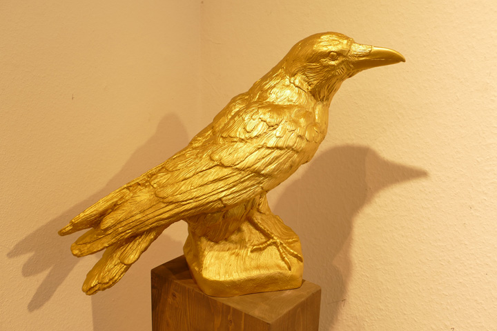 Rabe, gold, Schnabel hoch, EUR 80.- KUNSTMASSNAHMEN Heidelberg