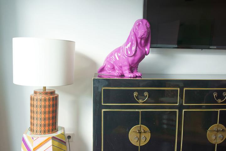Basset, pink